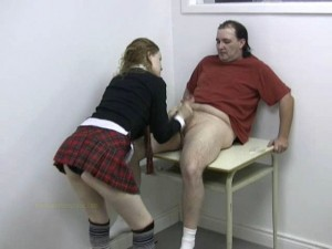 2615 Schoolgirl redhead Daughter sucks big Daddys cock at home